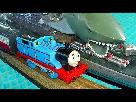 thomas-the-tank-trackmaster-pool-tracks-russian-navy-ship-attack-crash-&-accidents-fun