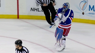 Lundqvist irate after Mitchell finishes give-and-go to score