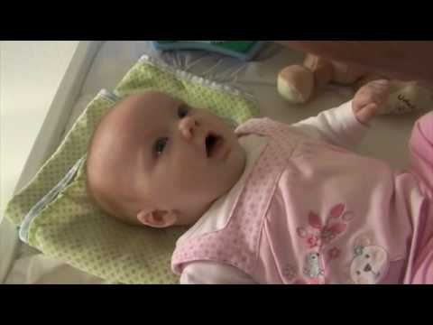Baby says 'I love you' at just 10 weeks old  --Amazing--