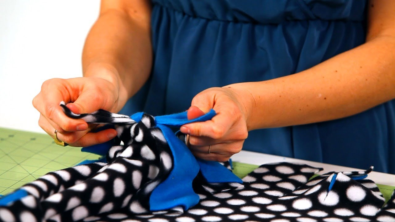 5ea2da3fa7 How to Tie Together a Fleece Blanket