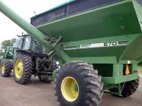 Brent by Unverferth 670 Grain Cart sells on BigIron Auctions June 28, 2017
