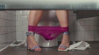 Болтовня о сексе в туалете — «Девушка без комплексов» (2015) cцена 1/10 HD