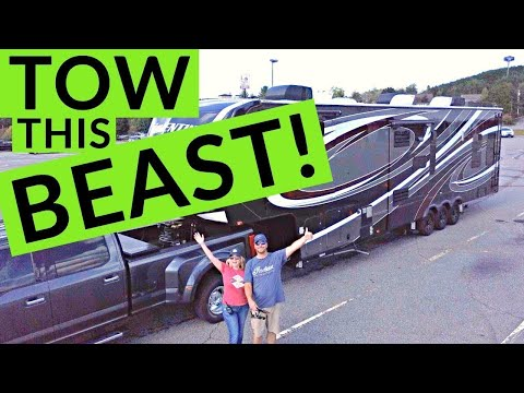 Towing a Large 5th Wheel RV | Full Time RV Truck and Towing! | Changing Lanes!