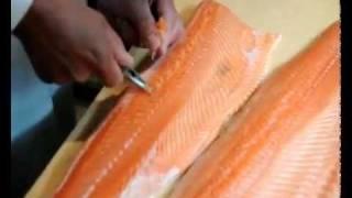Разделка рыбы. Мастер-класс. Разделка семги на филе.(, 2011-08-17T08:21:00.000Z)