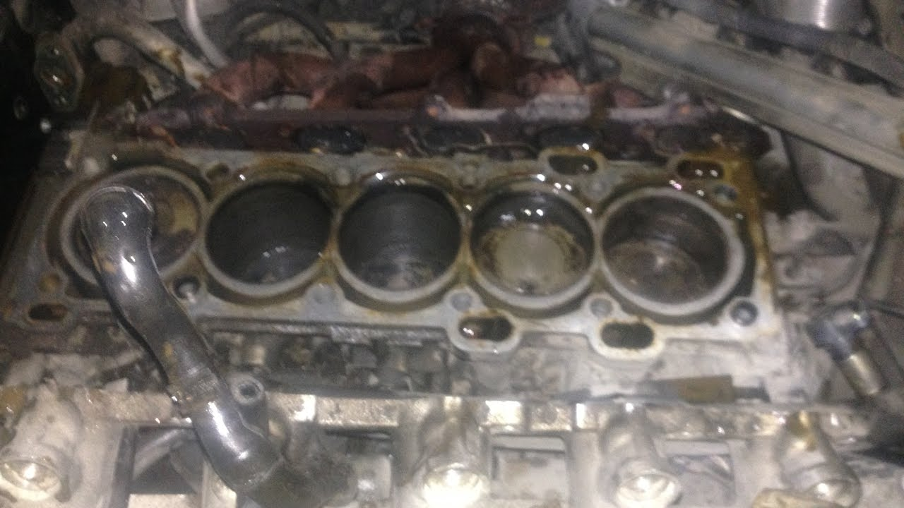 Volvo C70 2017 >> Removing cylinder head Volvo V70/S70 Engine B5254/20 valve. - YouTube