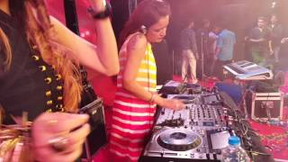 dj angel spinning at baroda badshah live in concert 18th june 2016 pse 6