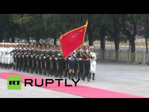 China: Xi Jinping welcomes Angolan President with military honours in Beijing
