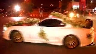 Unique Wedding in Karachi on Sports Car and Bikes | Groom Doing Drifting - Express News