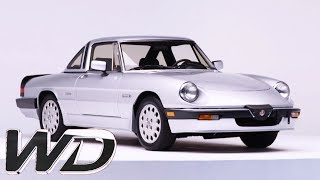Ant Sorts Out A Stiff Convertible Hood On A 1987 Alfa Romeo Spider | Wheeler Dealers