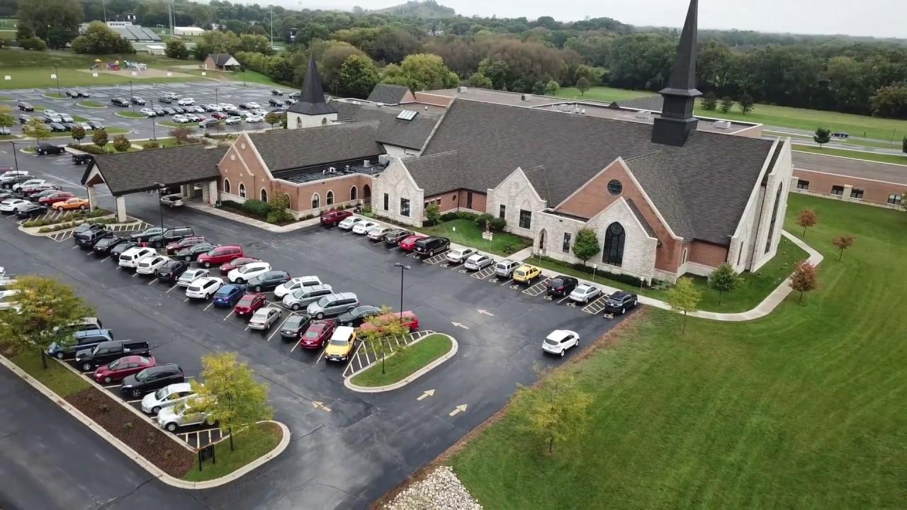 St Jerome Catholic Church - Oconomowoc, WI - 2018 9 30 - Church Picnic -  Full Circle of building