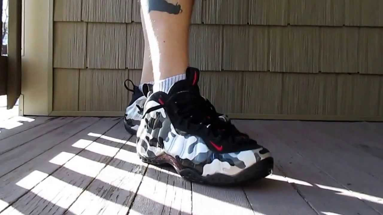 hot sale online 355c0 66b27 On Foot Review Nike Air Foamposite Fighterjet Dyed Black Bottom