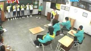 "(ENG) Soo Hyun (U-kiss)singing ""Confession"" (4Men) Kim Hyung Jun (SS501)"