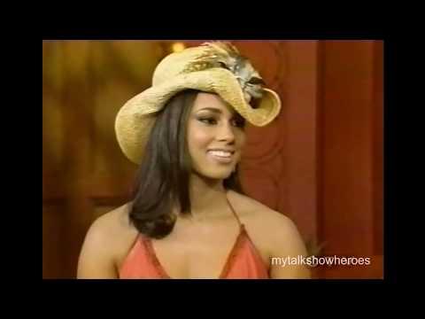 ALICIA KEYS - HILARIOUS INTERVIEW