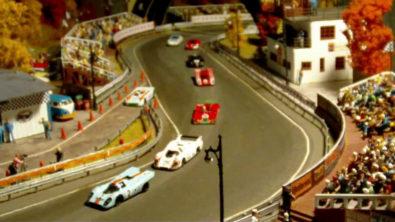 1 87 scale racing diorama in 2 39 x 3 39 video youtube. Black Bedroom Furniture Sets. Home Design Ideas