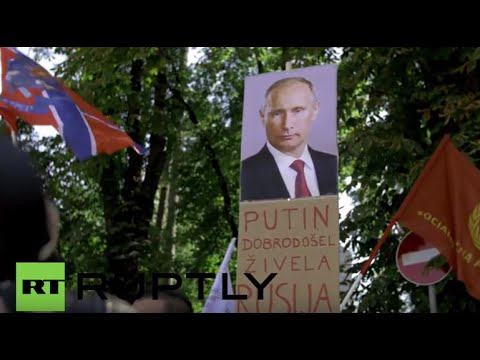 Slovenia: Pro and anti-Russian protesters face-off in Ljubljana