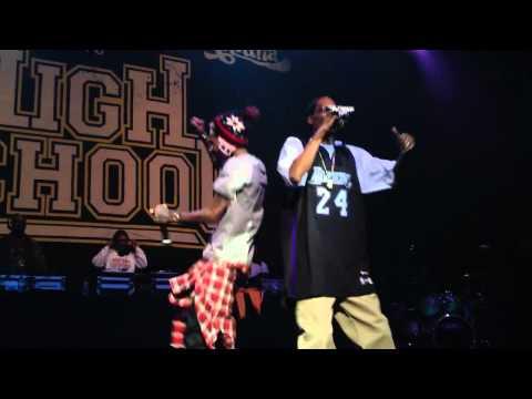 Snoop Dogg and Wiz Khalifa Smokin On Ft. Juicy J LIVE ATLANTA 1080p HD.mp4