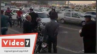 حملة مرورية بميدان التحرير لضبط السيارات المخالفة