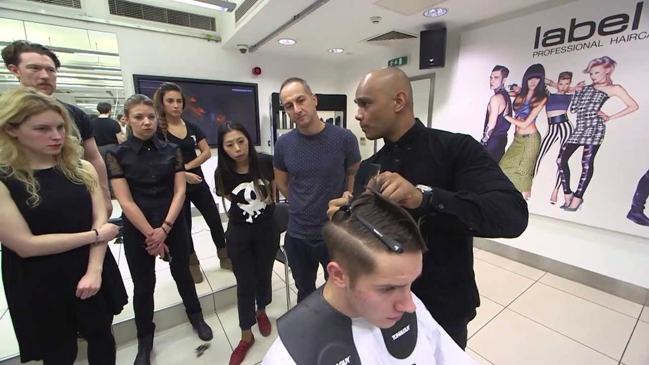 Mens catwalk styles toni and guy at london collections for Salon tony and guy