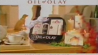 Oil of Olay Holiday Gift Set (1999) thumbnail