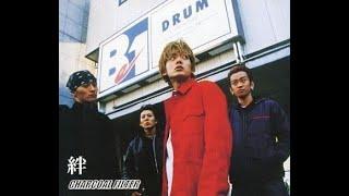 2000年代前半に活動していた4人組バンド CHARCOAL FILTERがリリースした全シングル(14枚)のメドレーです。 00:00 01.I start again 02:28 02.Life goes on 06:06 03.