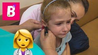 Bianca isi face o gaurica in ureche Punem al doilea cercel Bianca Kids Show