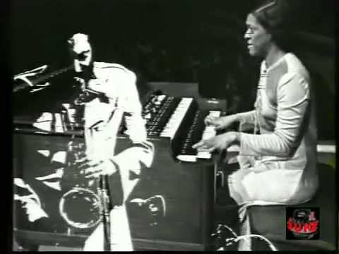 Shirley Scott Trio (w Harold Vick on tenor) - Don't Look Back - 1976  (Live video)
