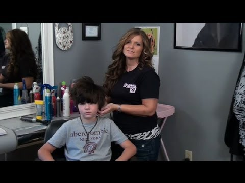 "Kid gets worst hair style ever in how-to video: ""Emo hair for guys"""