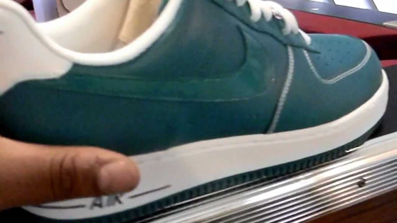 separation shoes d008f 8f255 Nike Air Force 1