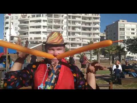 Cape Town Clown- Mungo The SmileMaker -Balloon Comedy