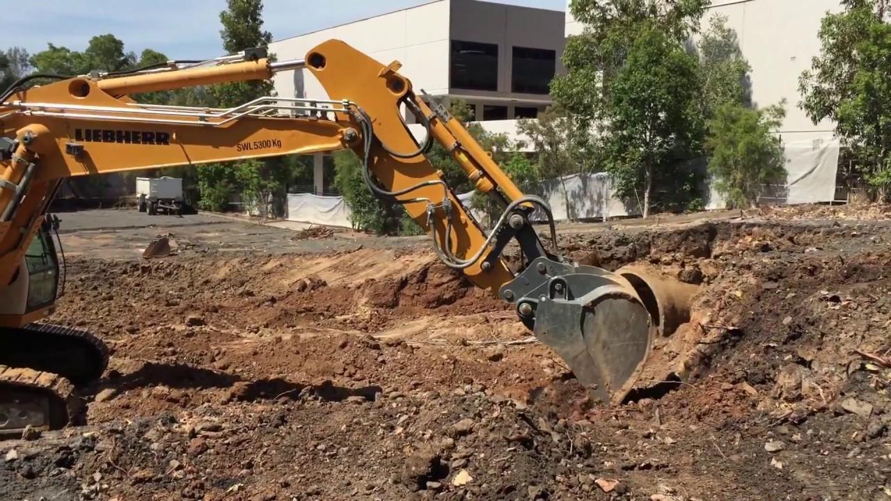 Ceecorp's Liebherr 954C Excavator