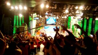 A day in Eat Bulaga: Audience practicing the Kaliwa O Kanan