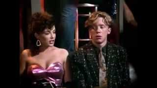 La mujer explosiva Weird Science 1985 TRAILER