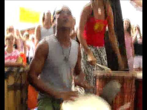 Byron Bay Market - Drum Circle