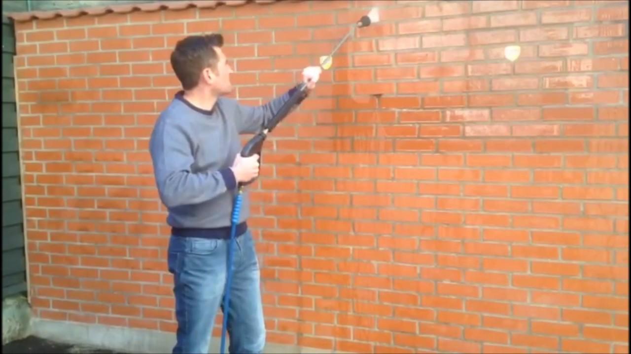 Comment Enlever De La Peinture En Bombe Sur Un Mur comment enlever tous les graffiti uniquement à l'eau ! découvrez le