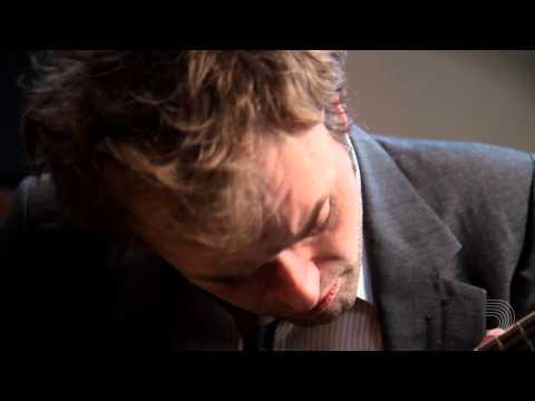 D'Addario: Chris Thile Performs Jessamyn's Reel on Mandolin