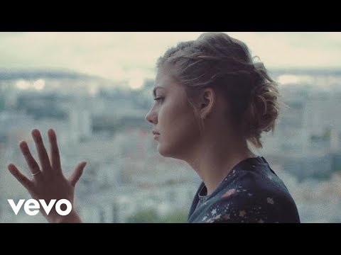 Louane - Nos Secrets (Clip Officiel)
