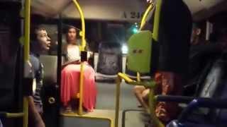 хохлу дали по морде в польском автобусе