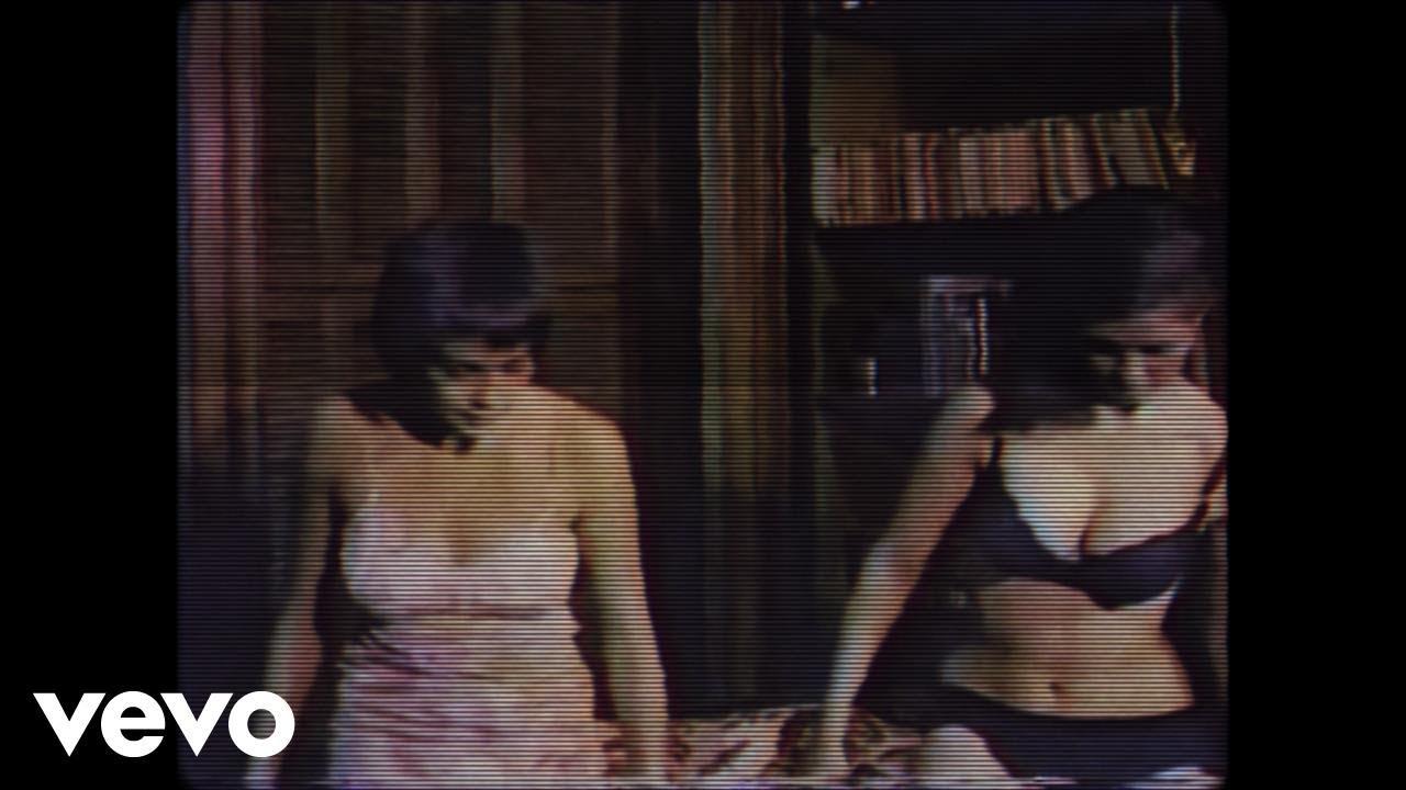 tove-lo-disco-tits-oliver-remix-lyric-video-tovelovevo
