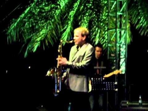 110212 Jazzfest at Du Jazz Garden -- Daren Rahn