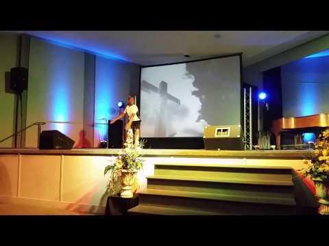 Клип Joshua Ledet - You Raise Me Up