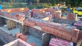 Строительство цоколя(Укладываем керамический блок на цокольный этаж, выше уровня земли. Ниже нуля стены цоколя выложены из красн..., 2016-07-24T19:58:53.000Z)