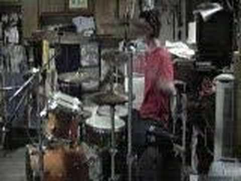 Rihanna - Umbrella drum cover (travis barker remix)