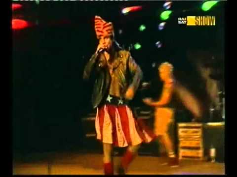 red-hot-chili-peppers---out-in-l.a.-[1985]-live-(their-first-song)-(su-primera-canción)-hd☮