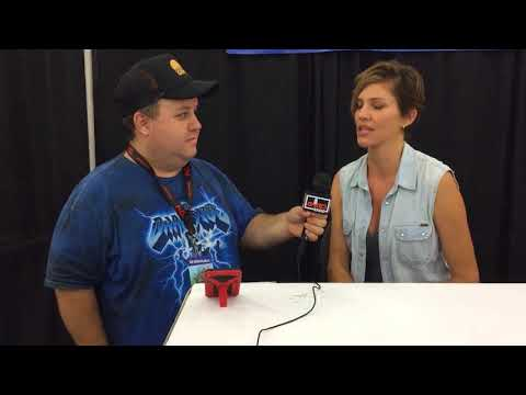 Dave speaks with Tricia Helfer at Comicpalooza 2018