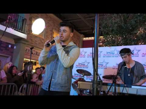 Hallelujah (Cover)- Chris Viola & Tyler Chase (live) thumbnail