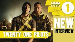Baixar NEW TWENTY ONE PILOTS INTERVIEW ! (talking about Jumpsuit & tour) BBC Radio 1