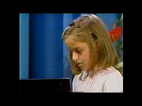 Béla Bartók: Romanian Folk Dances, Sz. 56   GLORIA D'ATRI  (Aged 8 !!)