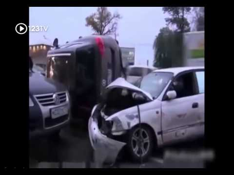 The horrific car accident without car insurance 2014 ➢ Part 2 ✝ [123TV New Car]