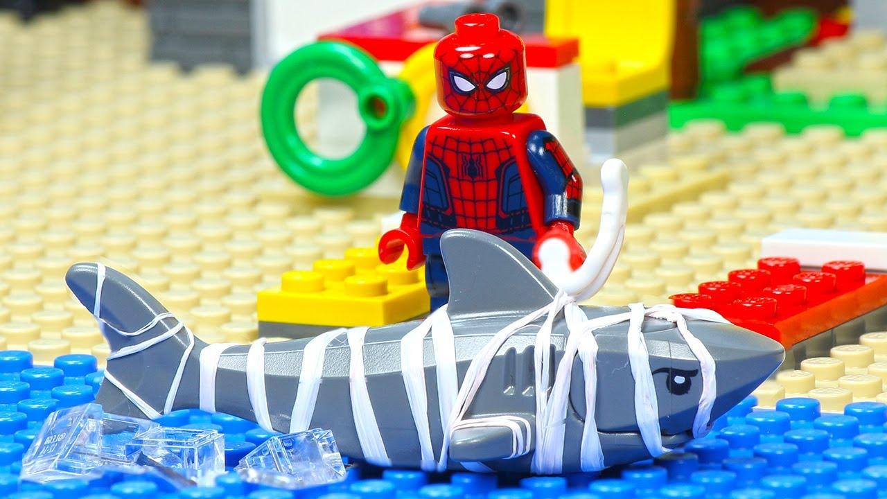 Lego City Beach Spiderman Lifeguard Shark Attack