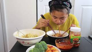 I TRIED BLACK BEAN NOODLES FOR THE FIRST TIME!!! | CHINLADY